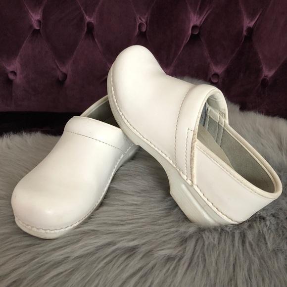 Dansko Shoes   Matte Allwhite Leather
